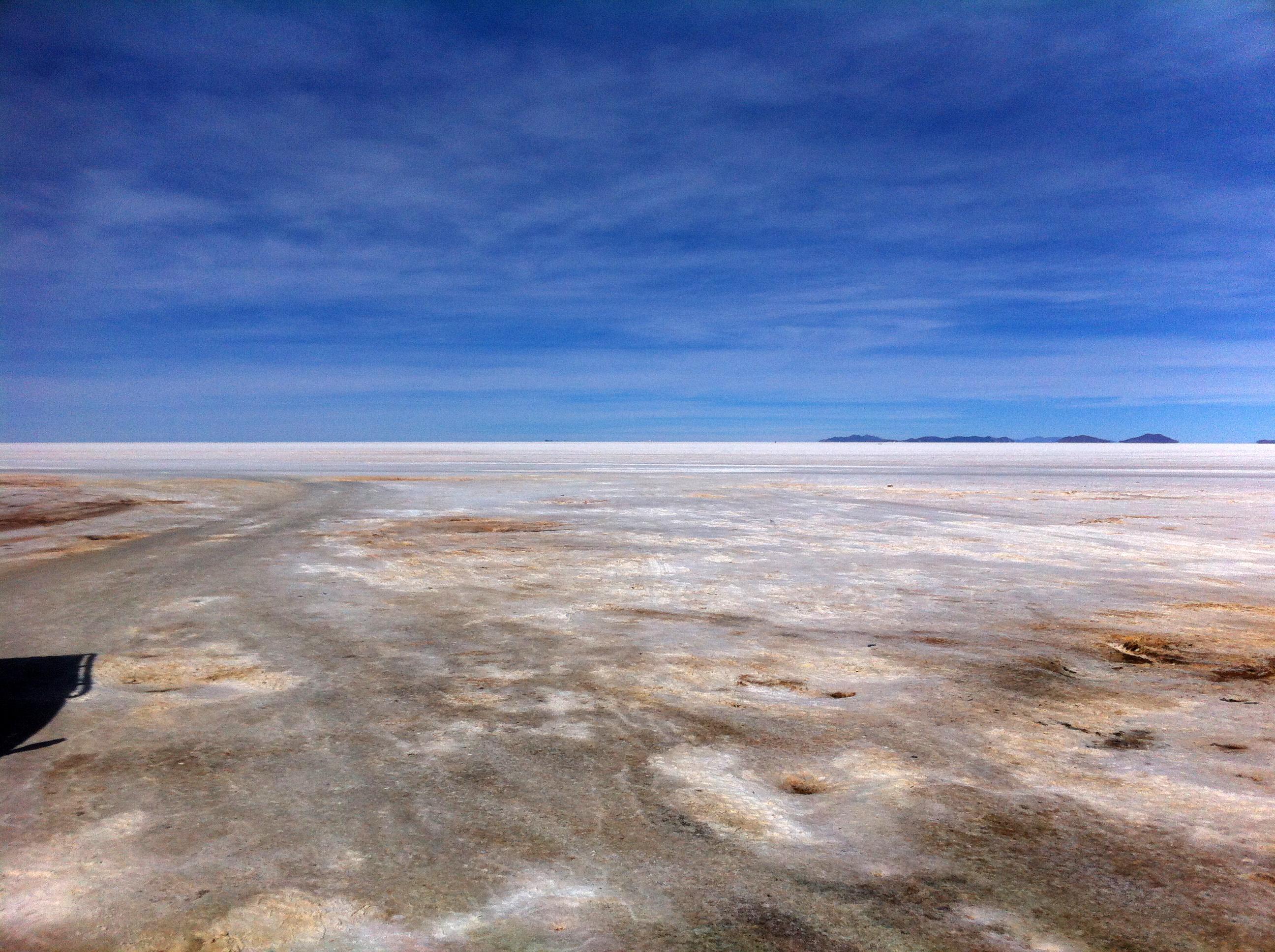ground sky flat bolivia