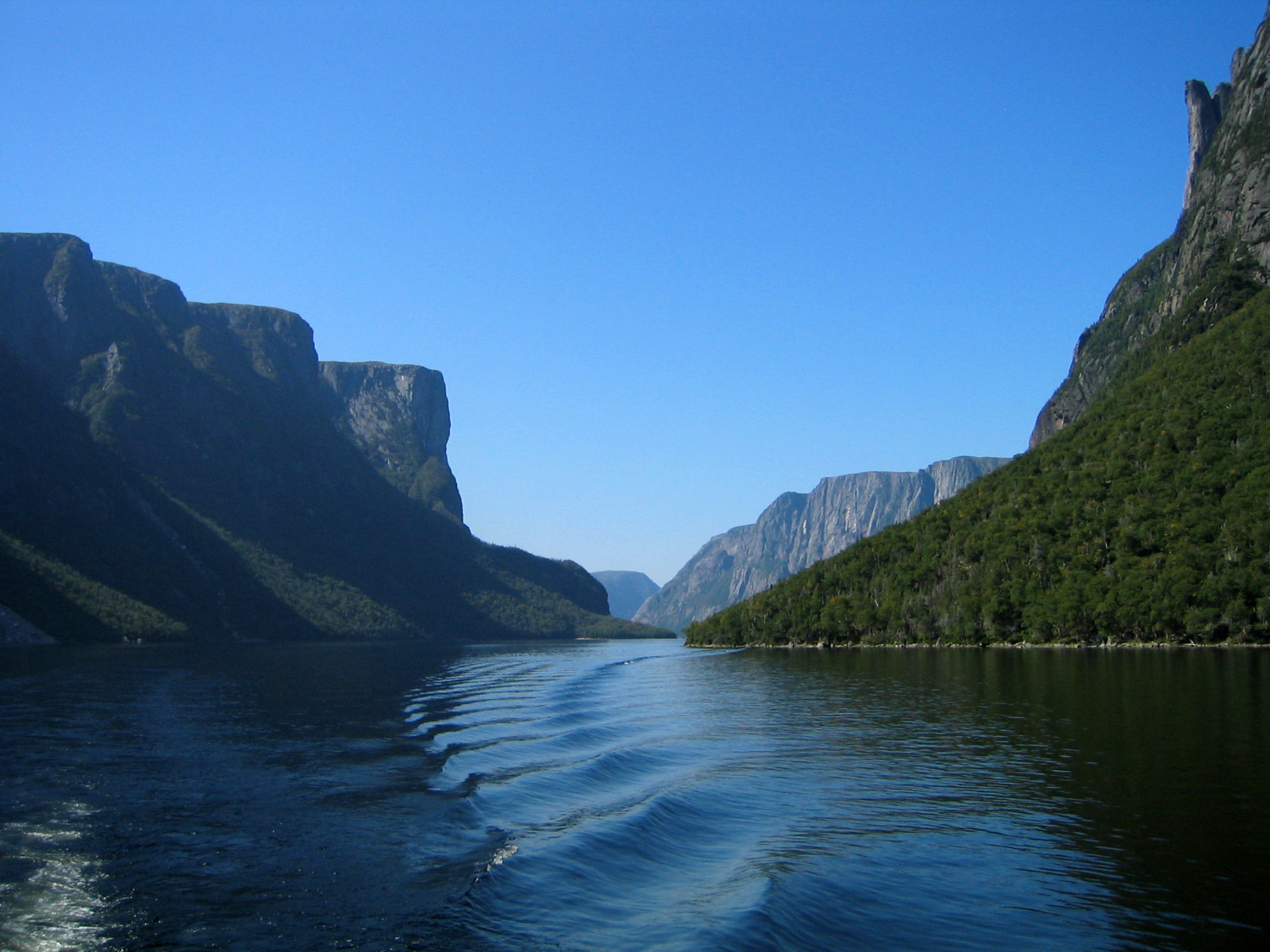 Western Brook Pond at Gros Moraine National Park, Newfoundland ...