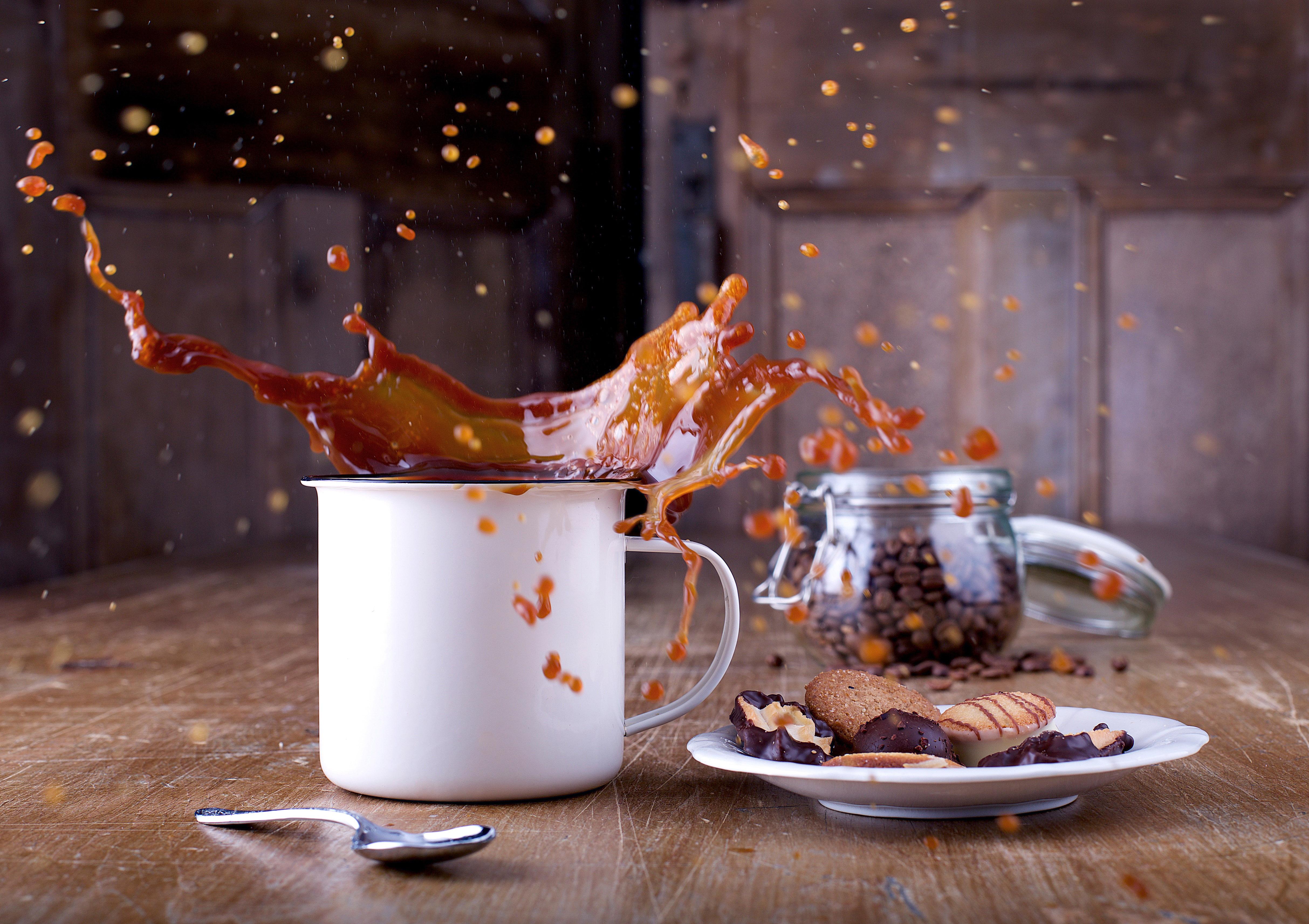 Not Toast >> Splashing Coffee image - Free stock photo - Public Domain photo - CC0 Images