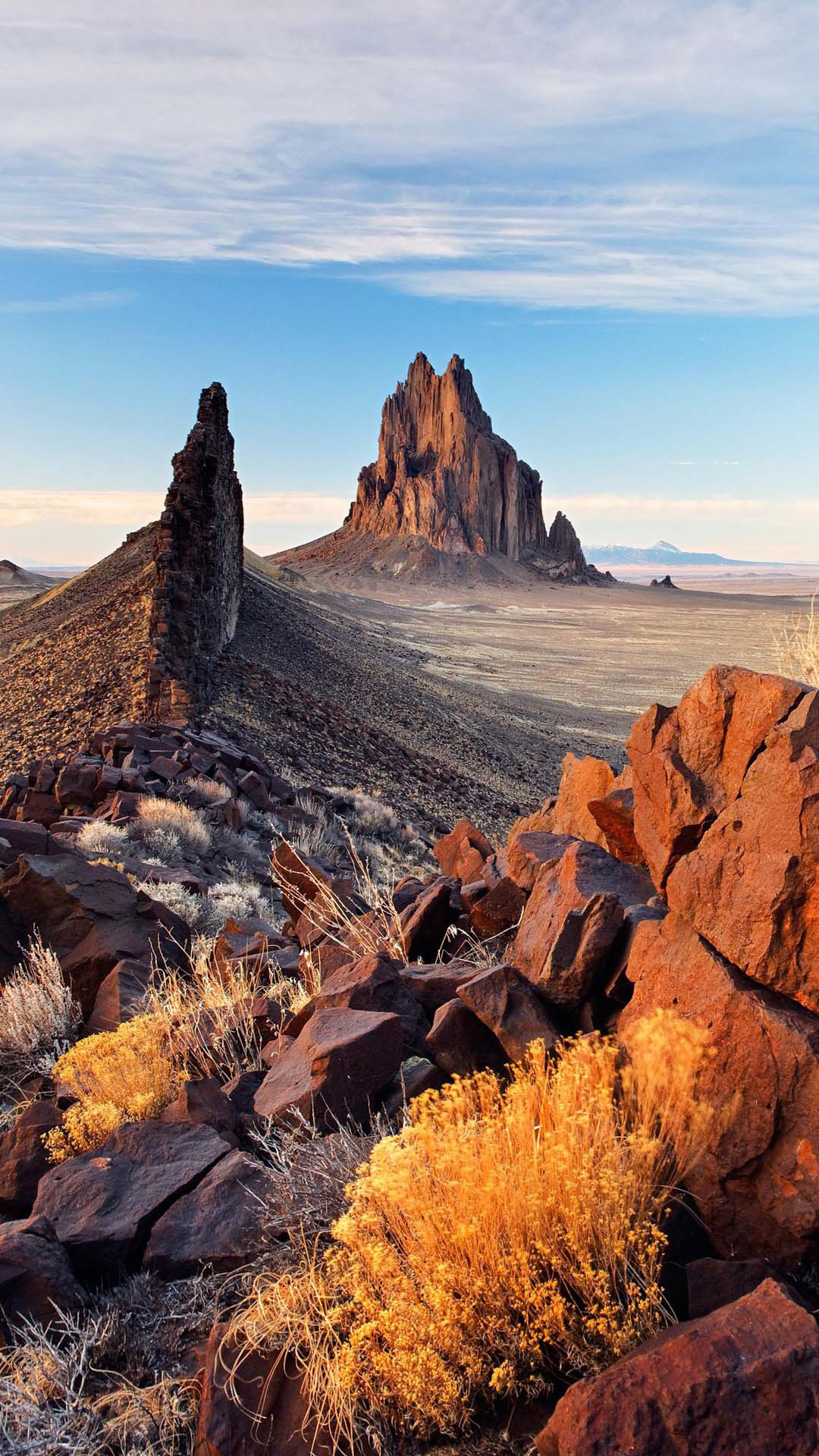 Rocky crags and peaks under the desert landscape image ...