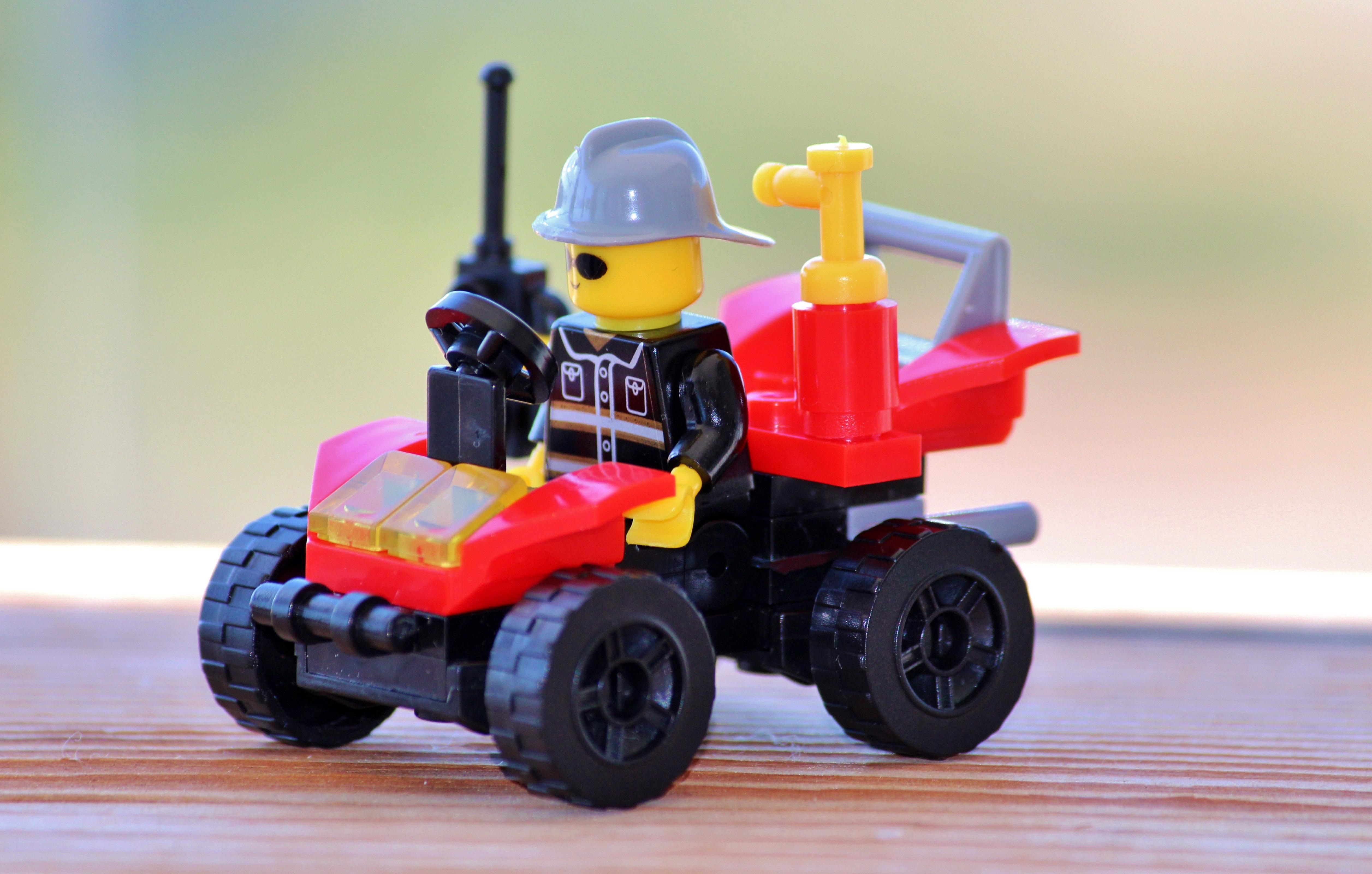 Lego Man in lego Car image - Free stock photo - Public ...