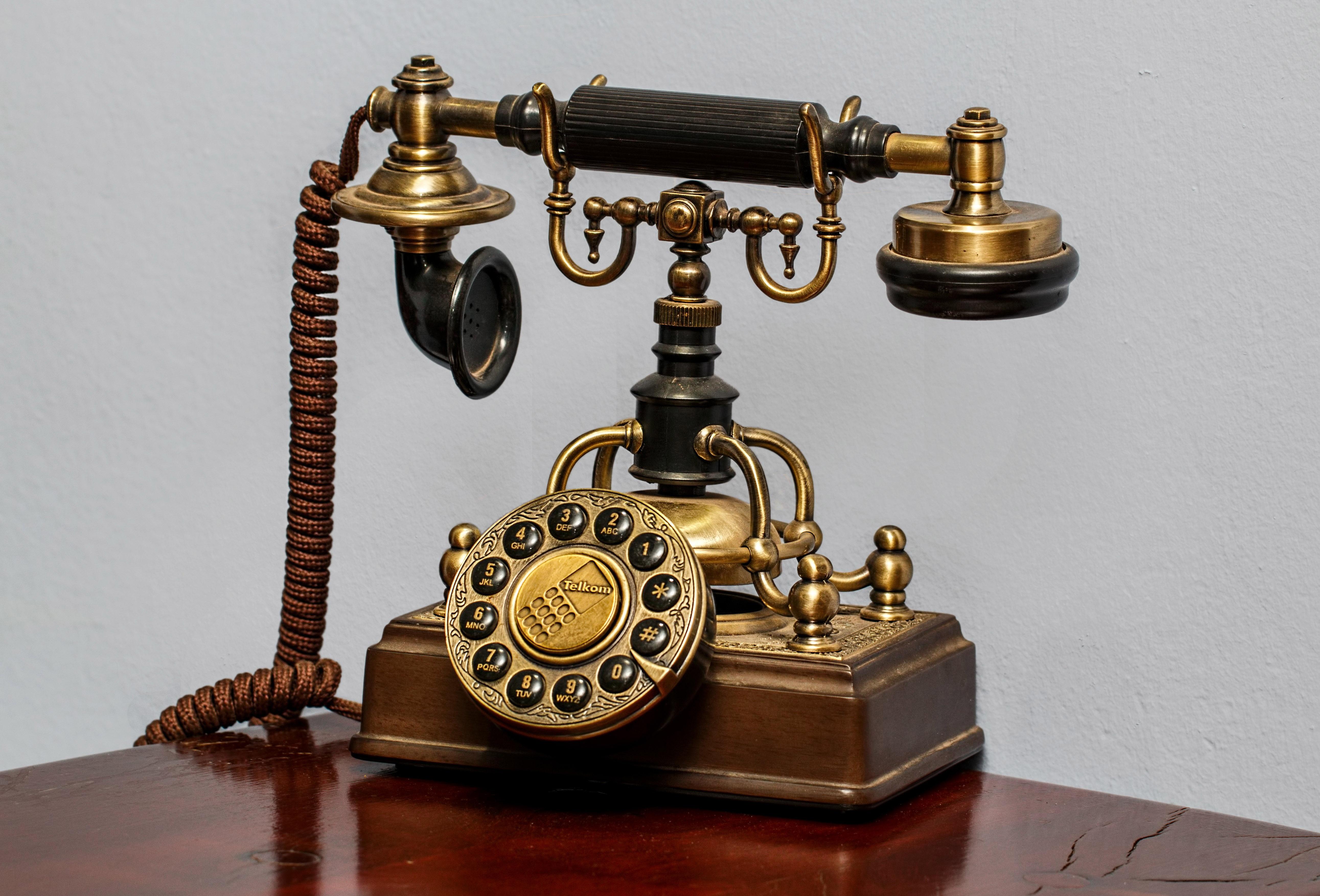 Old Style Classic Telephone image - Free stock photo - Public Domain