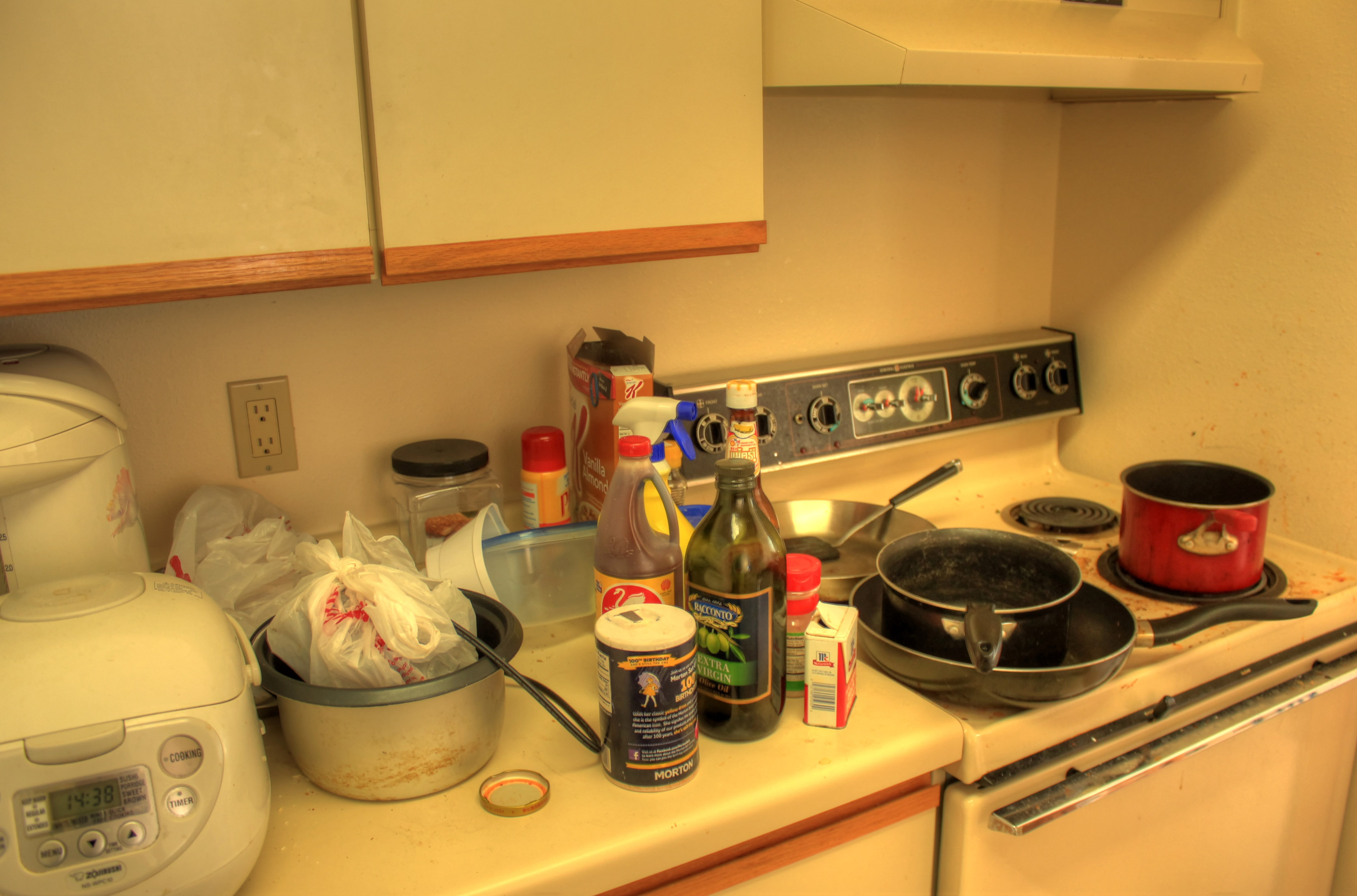 how to clean a messy kitchen