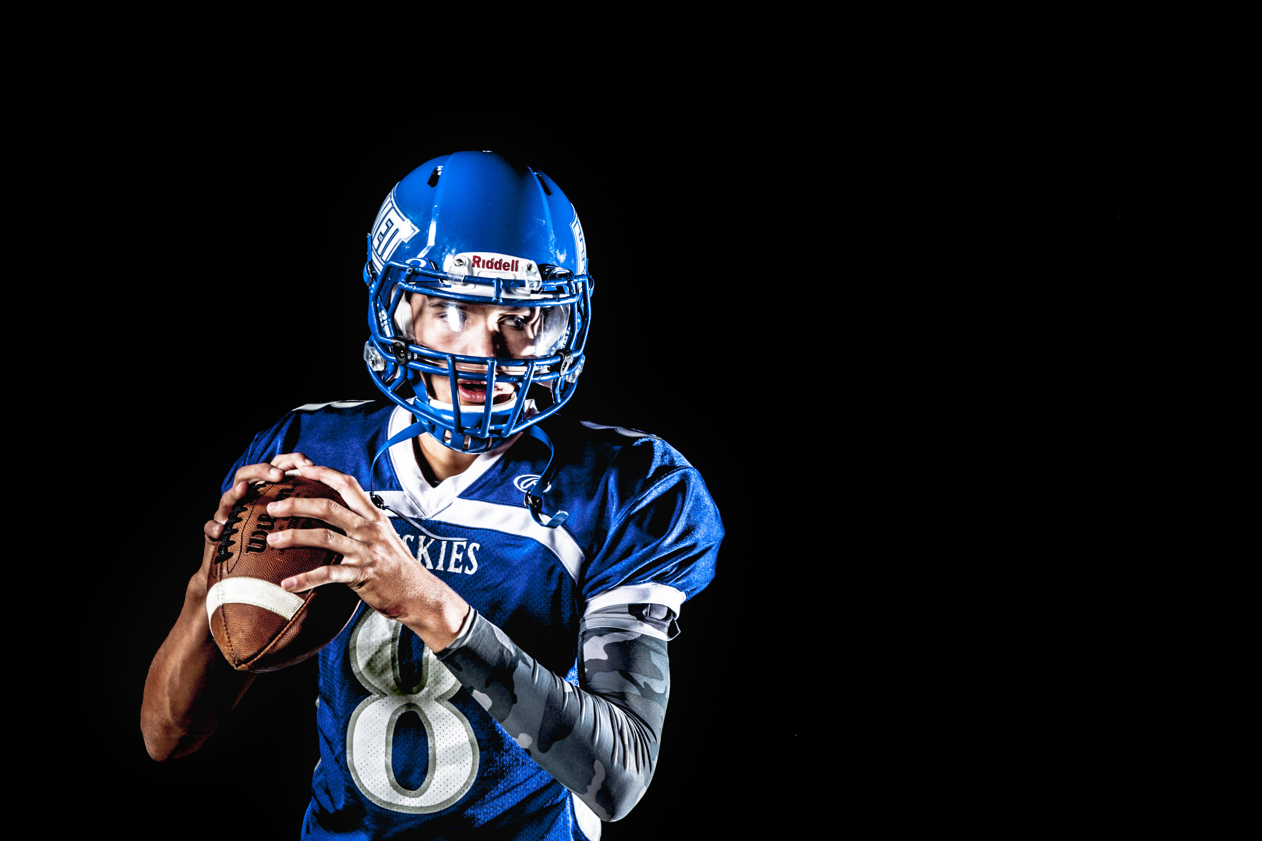 Football Player Gallery: Football-player-in-action-portrait Image