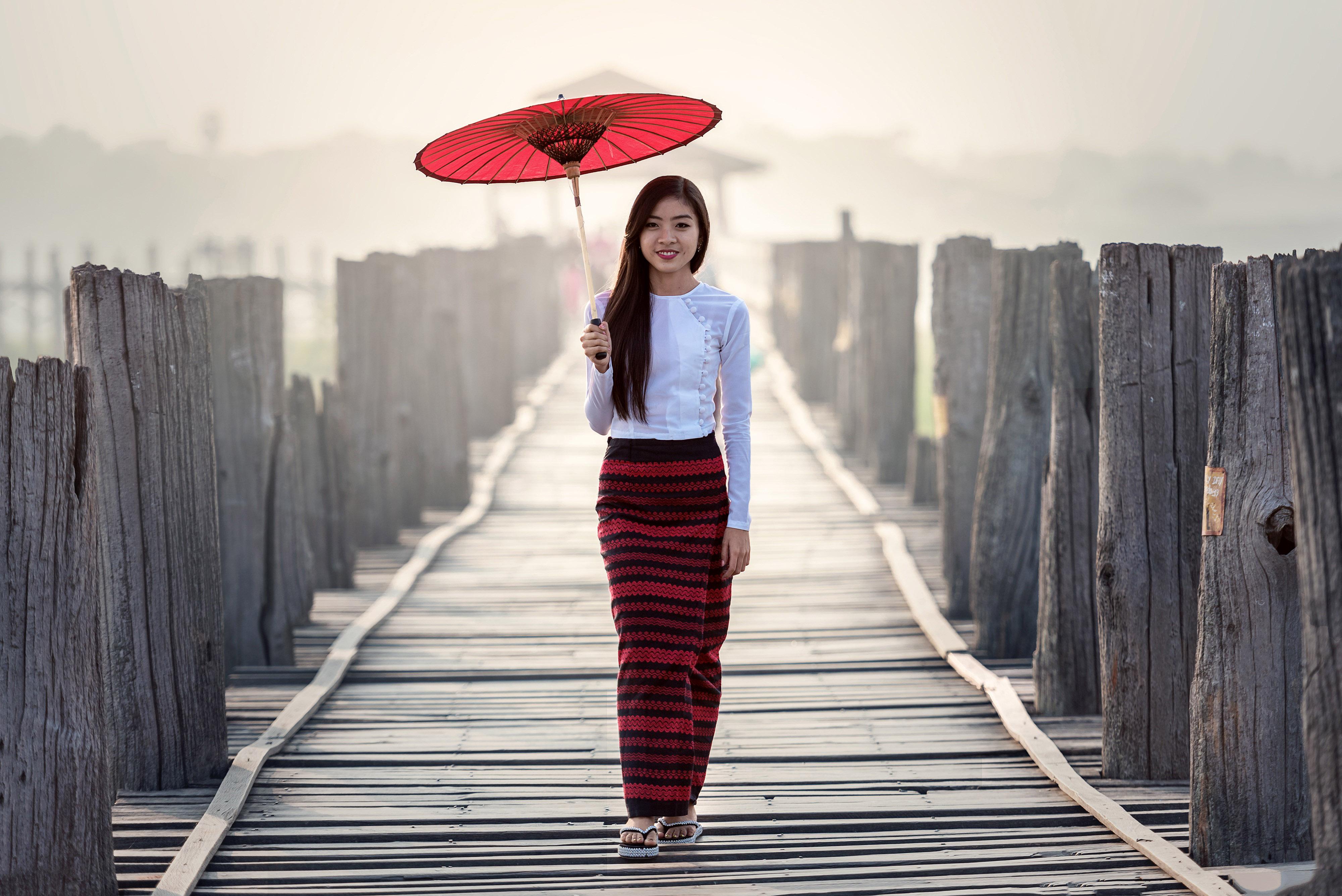 Pretty Asian In The Rain With Red Umbrella Image Free