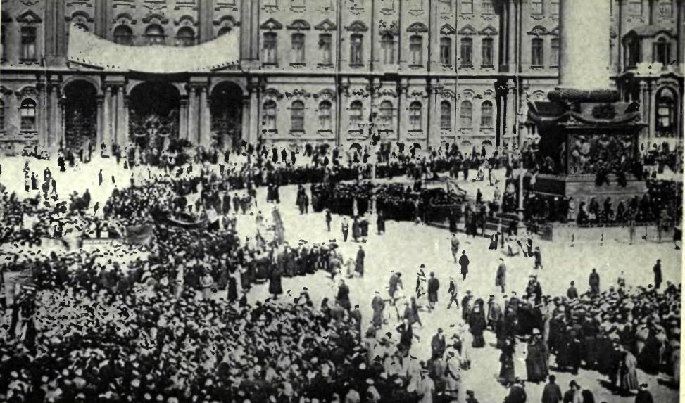 Afbeeldingsresultaat voor st petersburg russian revolution