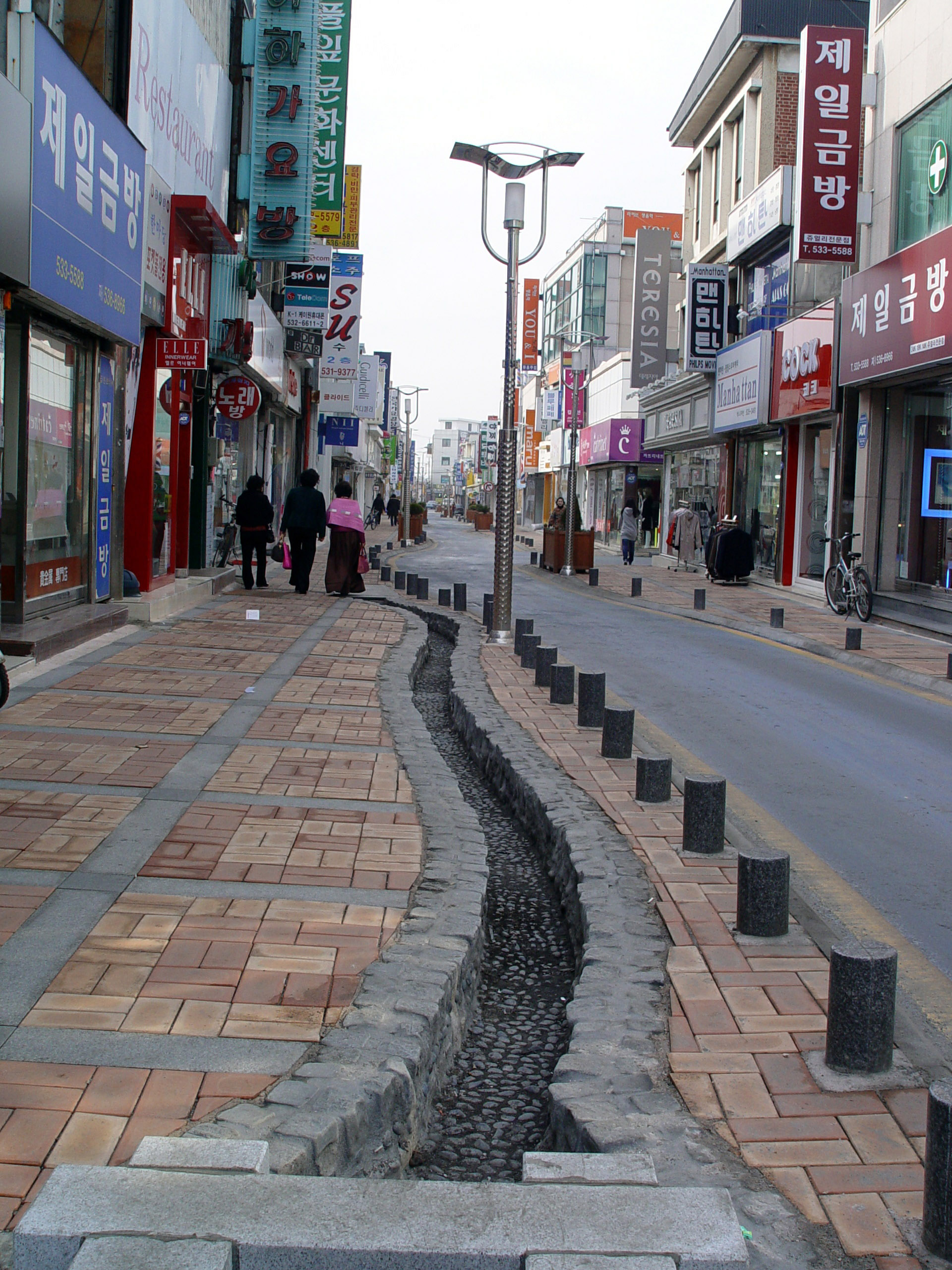 Town Road Codes For Bloxburge: Street In Central Jeongeup In South Korea Image