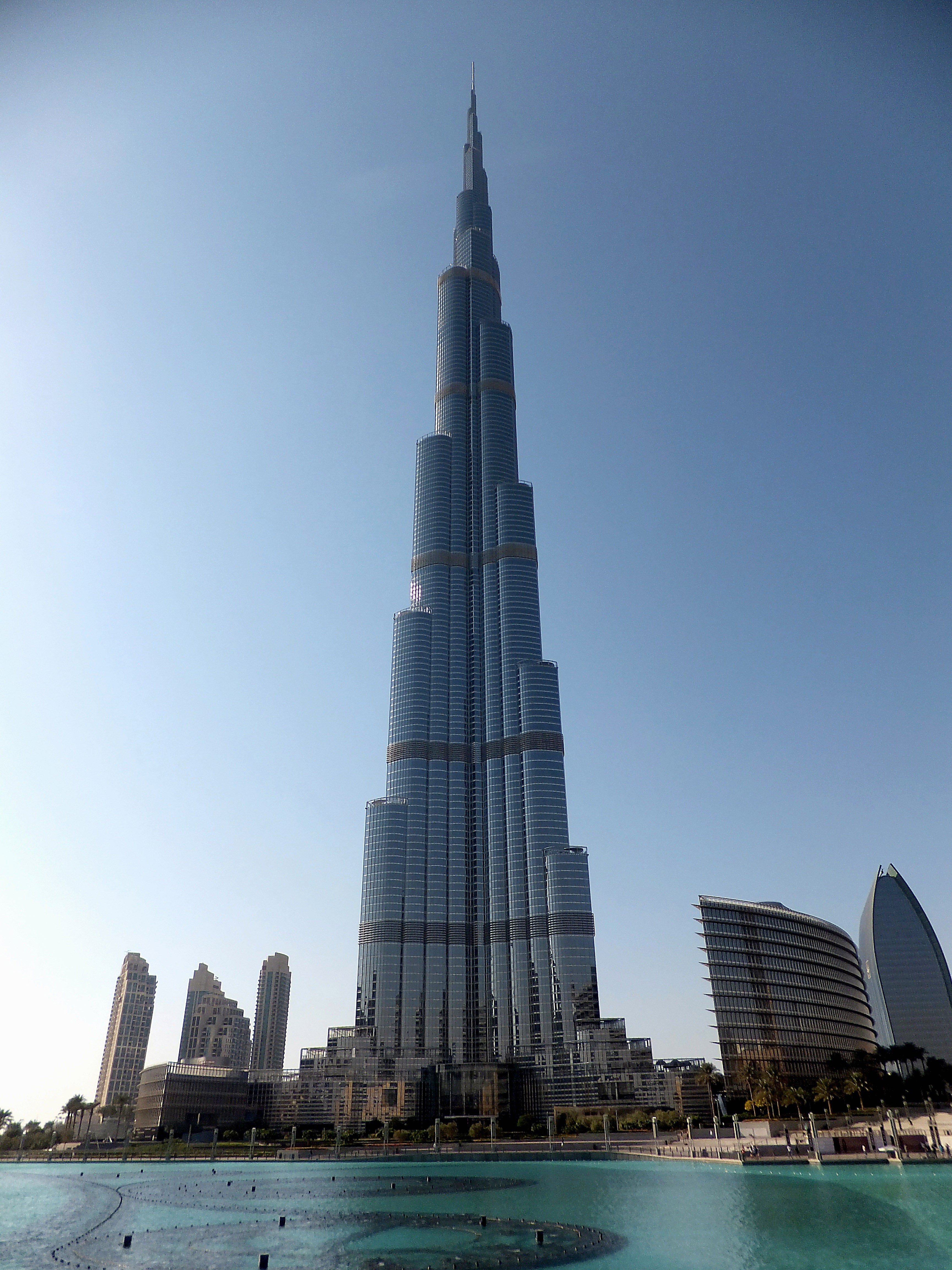the tallest building in the world  burj khalifa in dubai skyline clip art transparent background skyline clipart free
