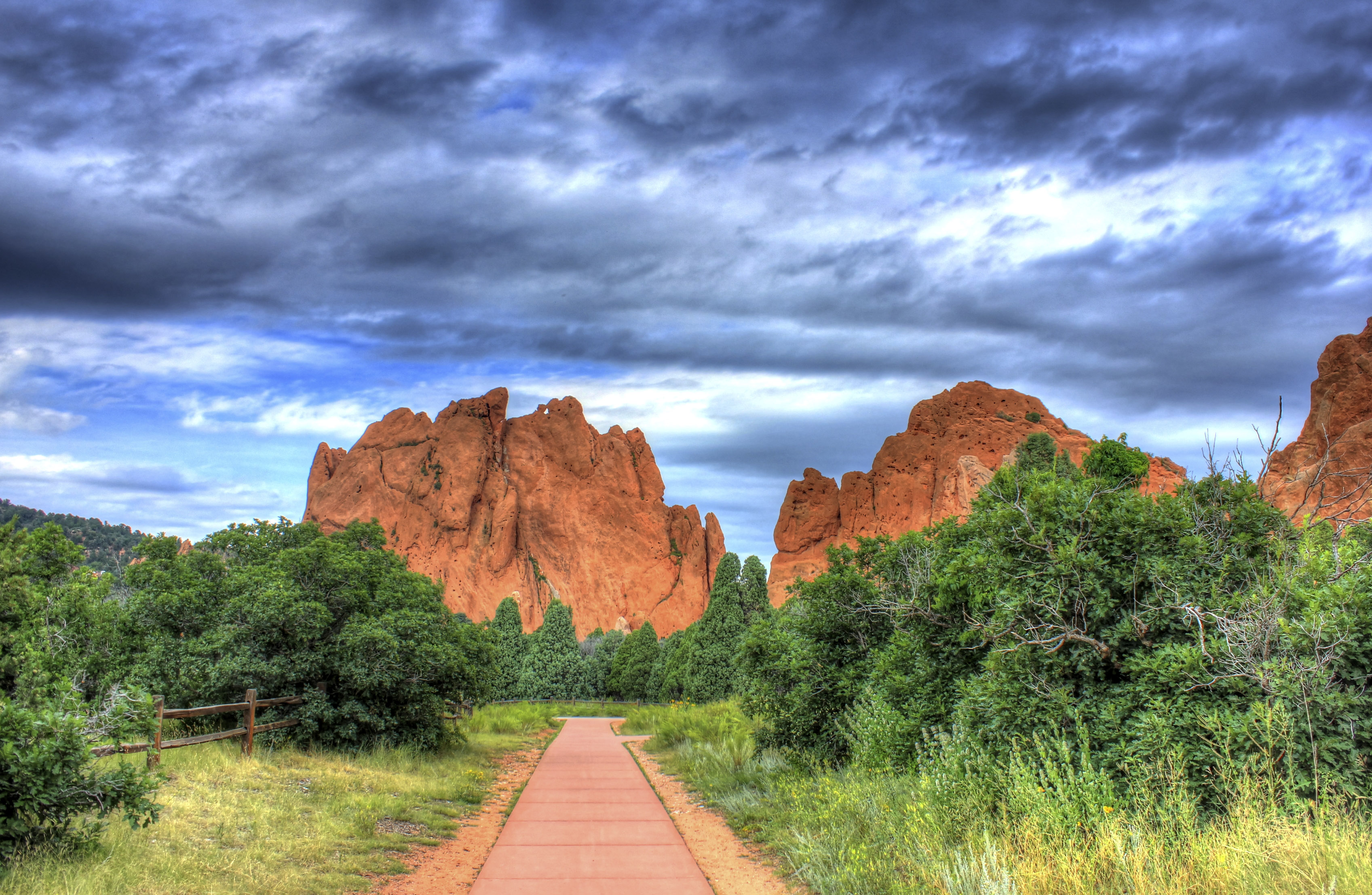 7 breathtaking things to do in colorado holy city for Quality inn garden of the gods