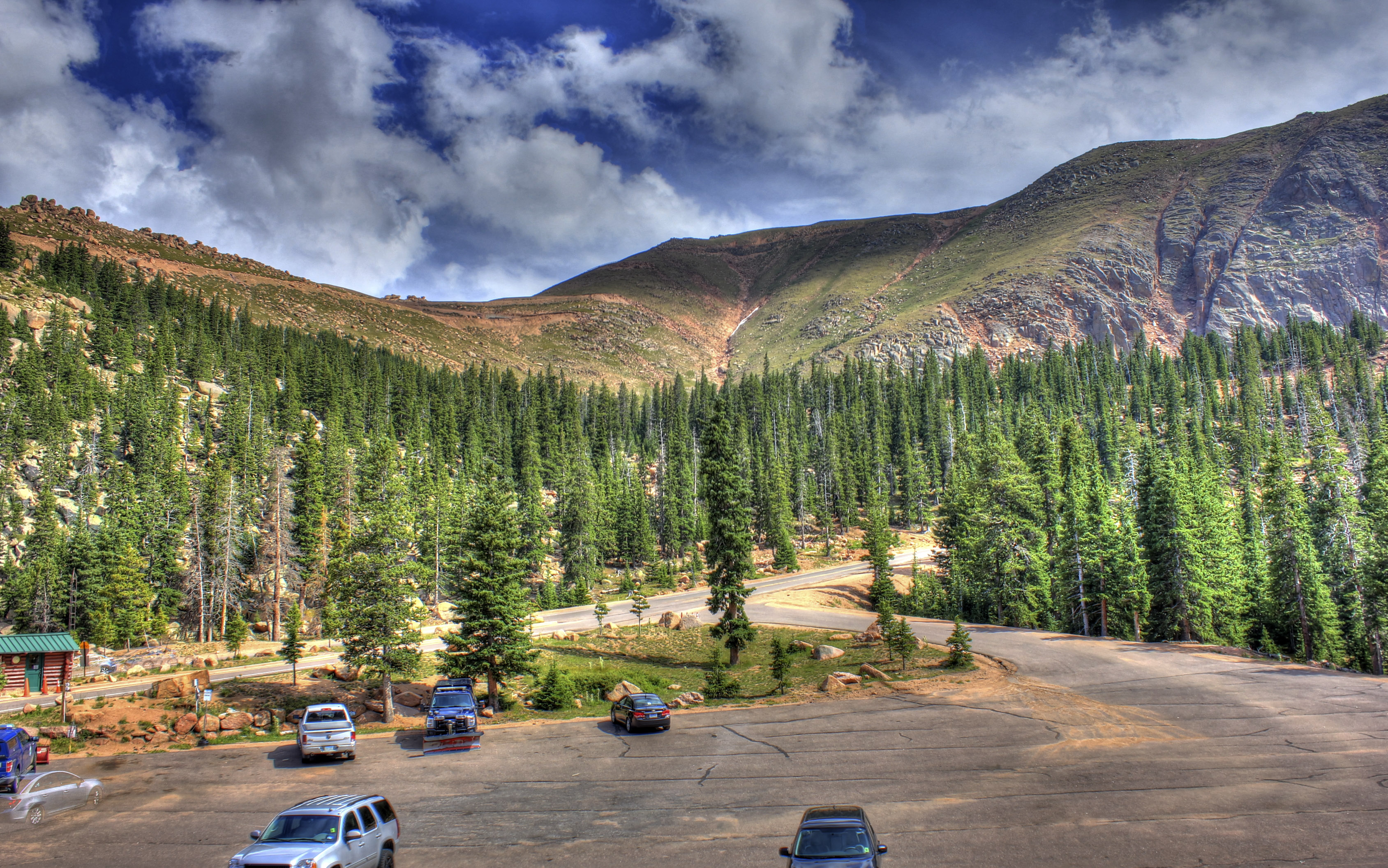 Pikes Peak Parking >> Parking Lot View At Pikes Peak Colorado Image Free Stock Photo