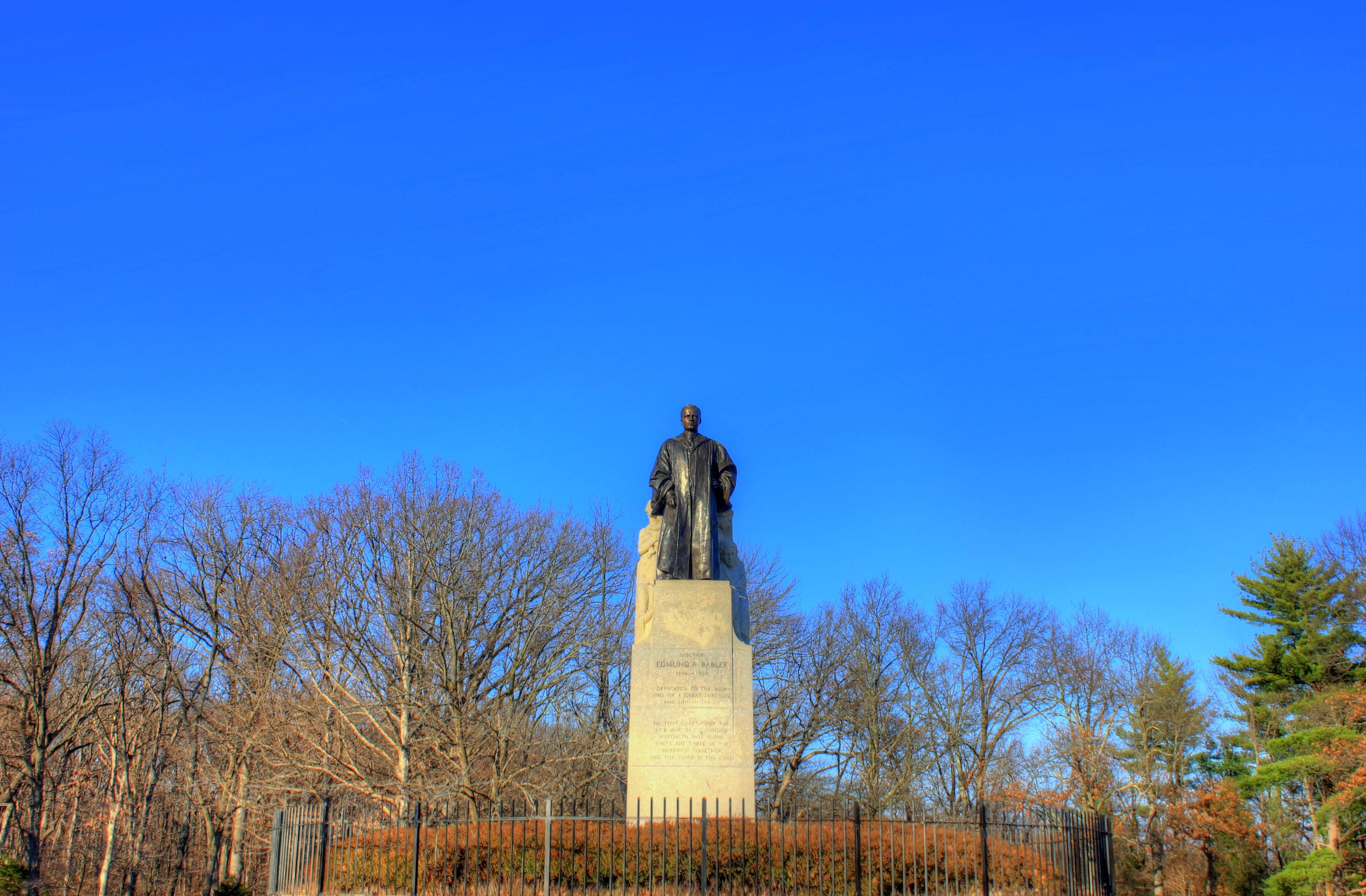 Babbler Statue