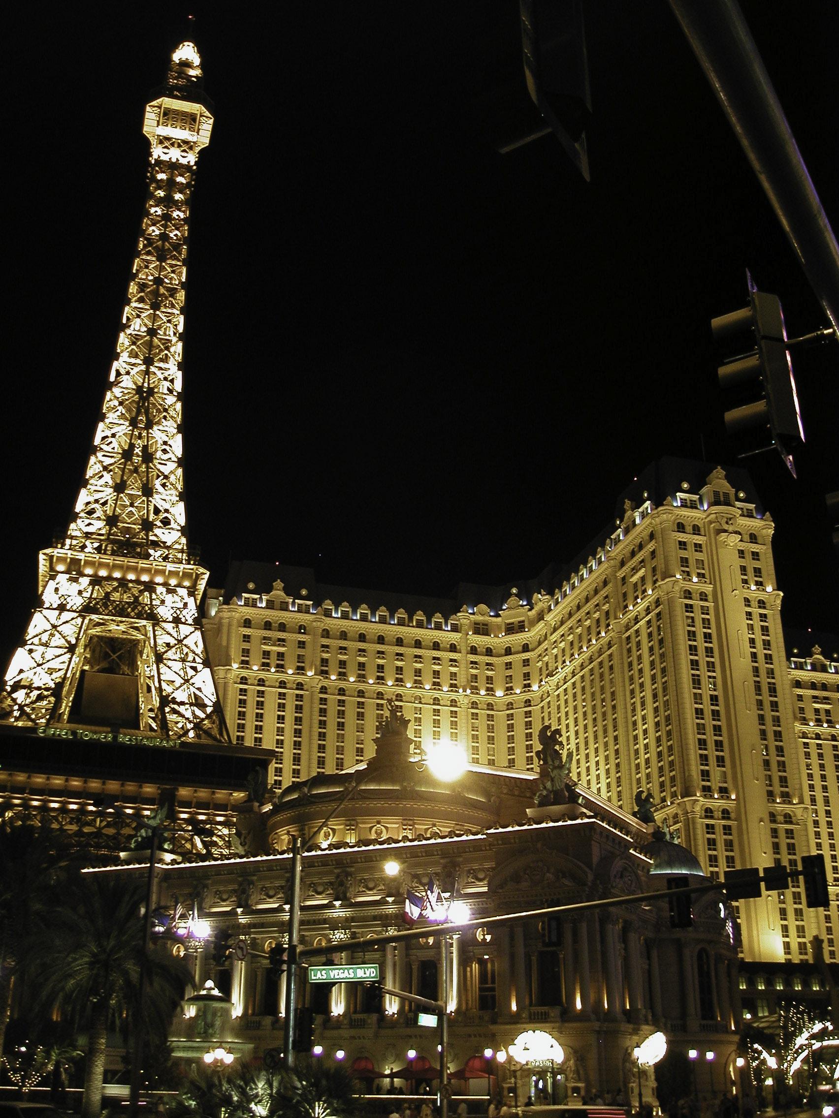 free nights in las vegas hotels