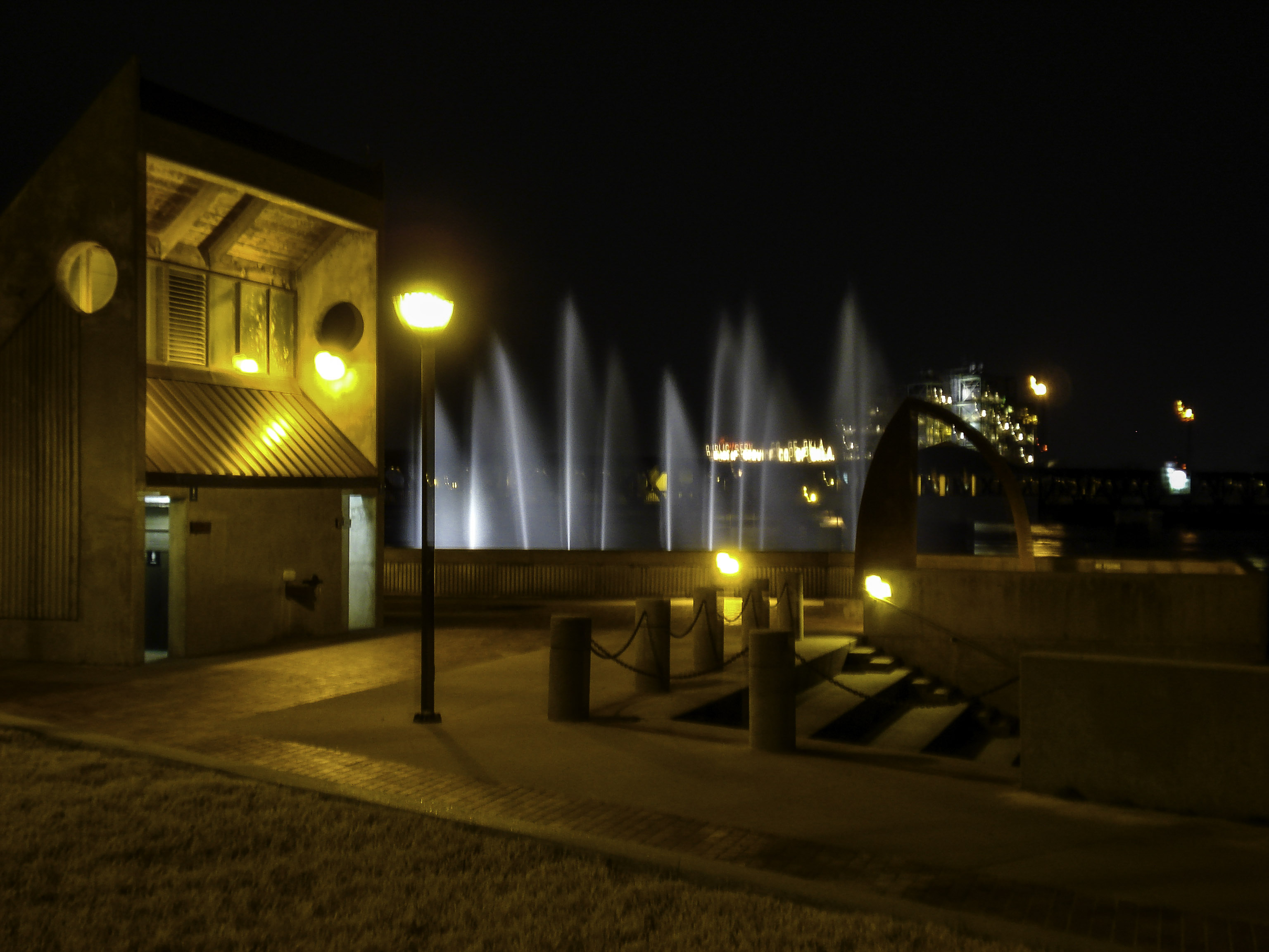 Tulsa's River Parks in fountains in Oklahoma image - Free