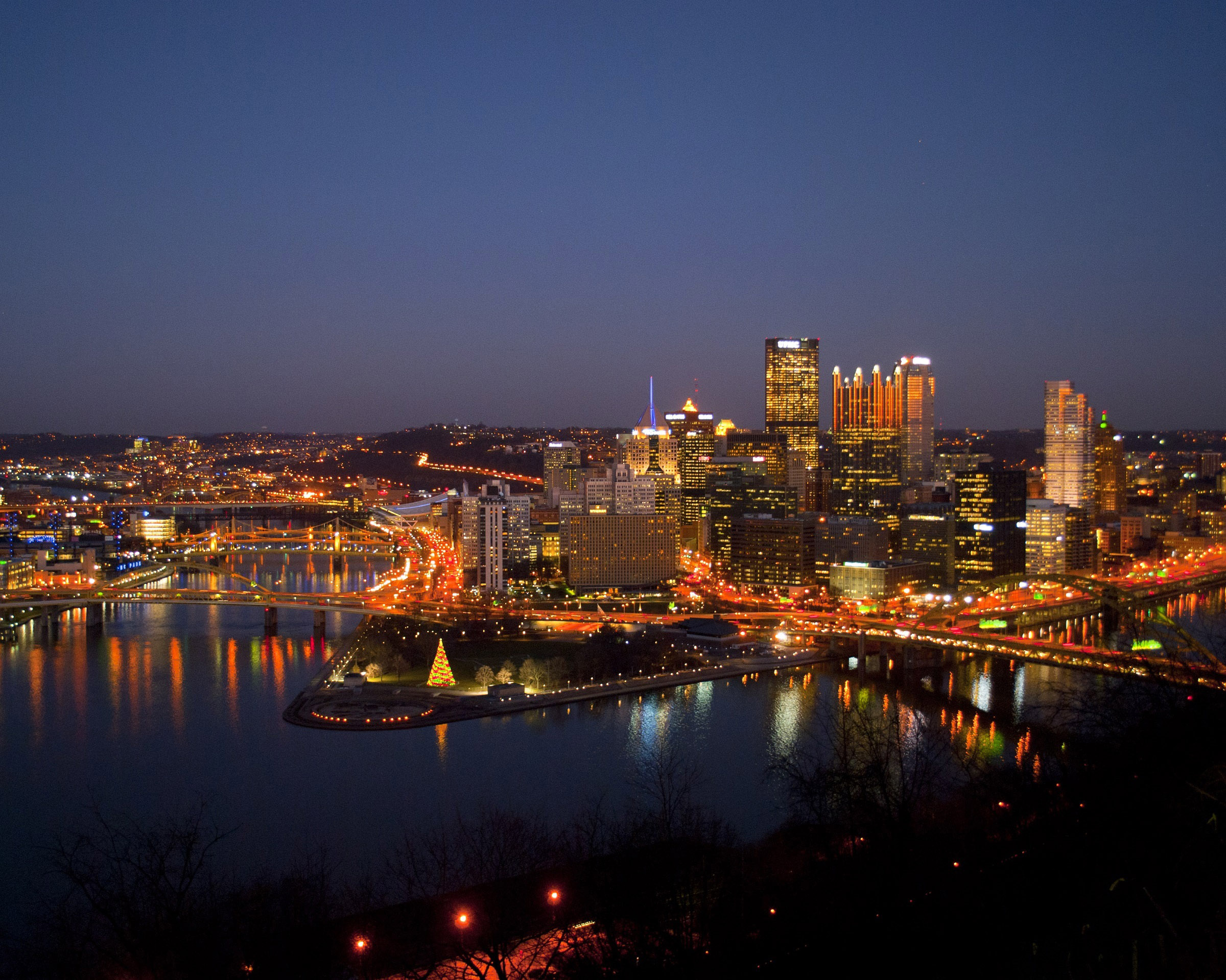 night time lighted cityscape in pittsburgh pennsylvania image free stock photo public. Black Bedroom Furniture Sets. Home Design Ideas