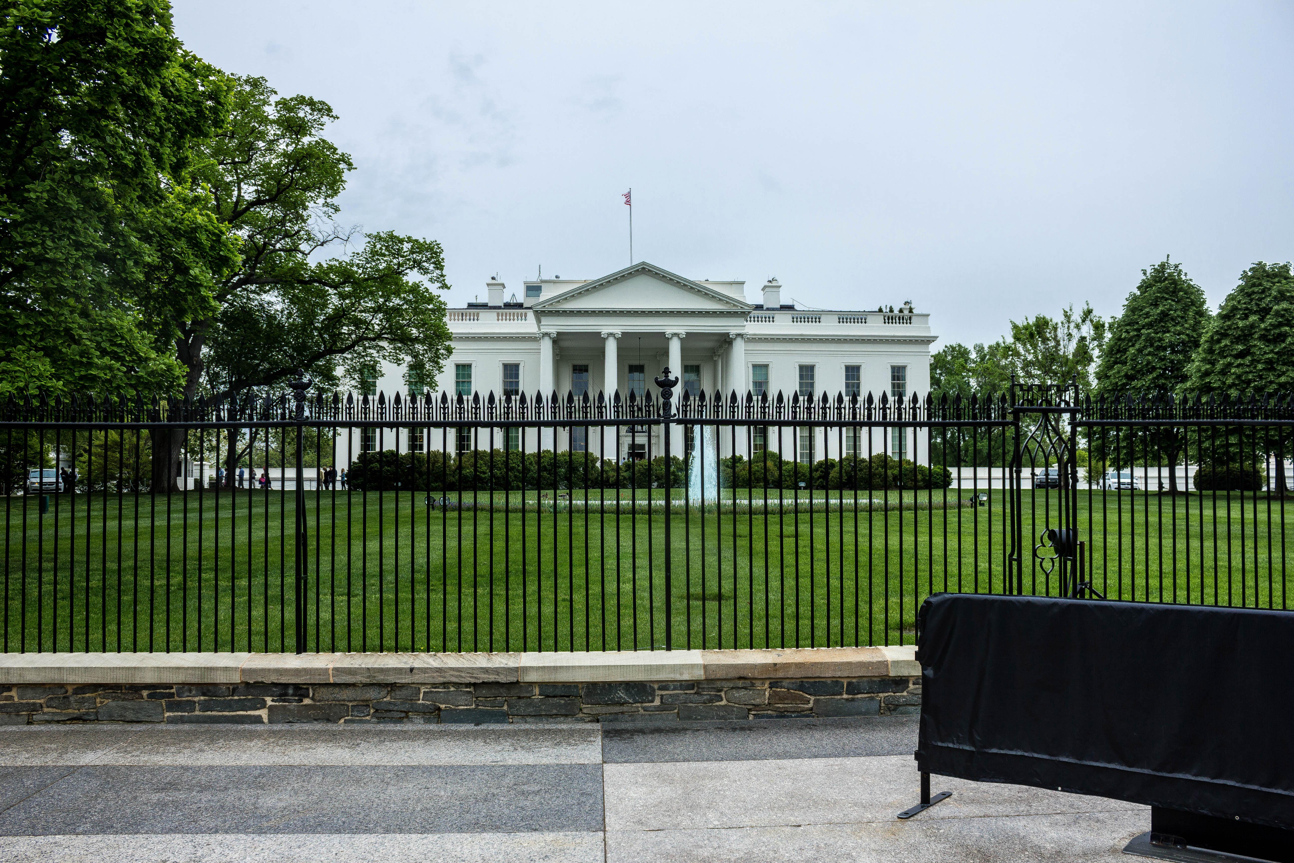 Free Stock of White house far view Public Domain photo