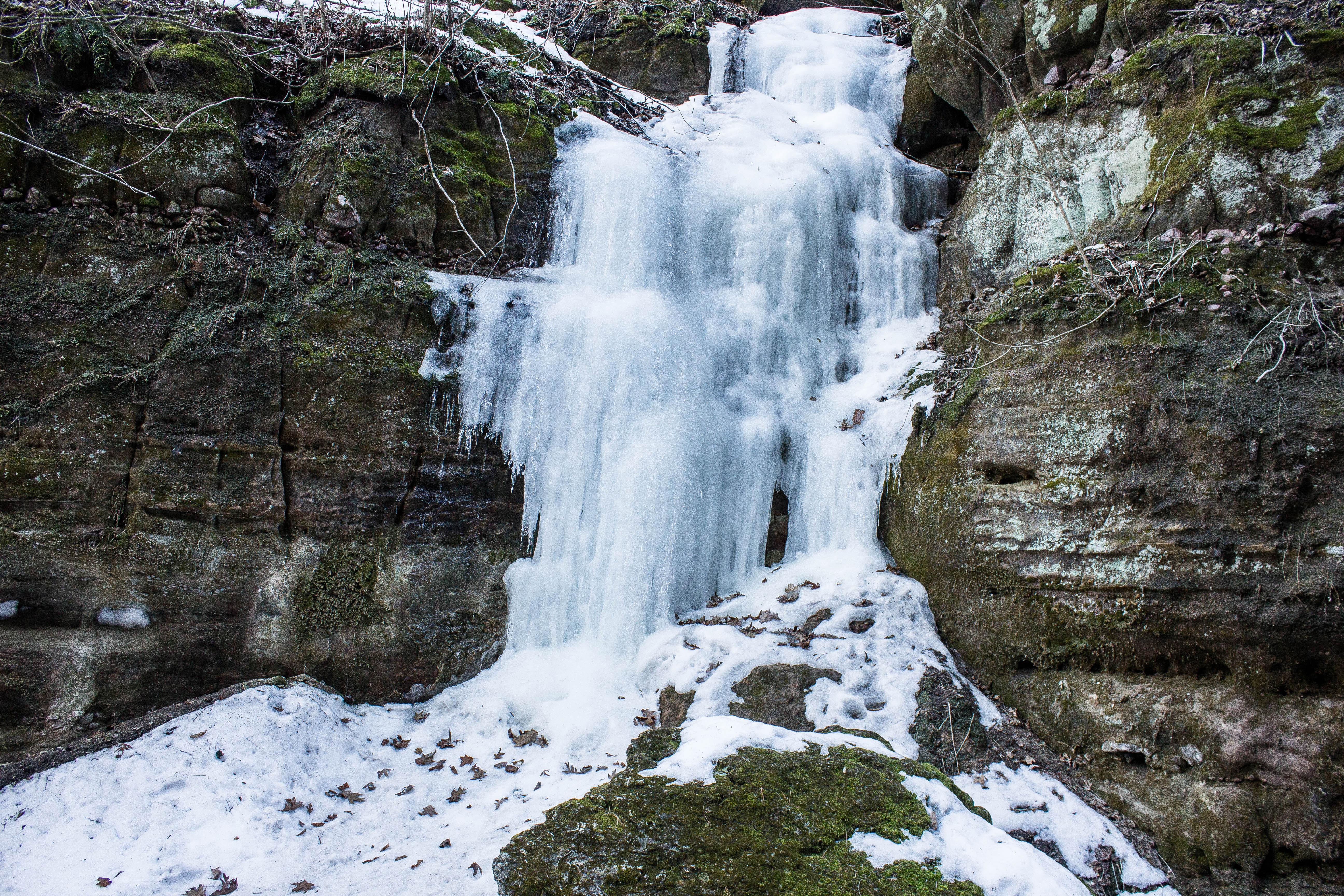 Frozen Waterfalls At Parfrey S Glen Wisconsin Free