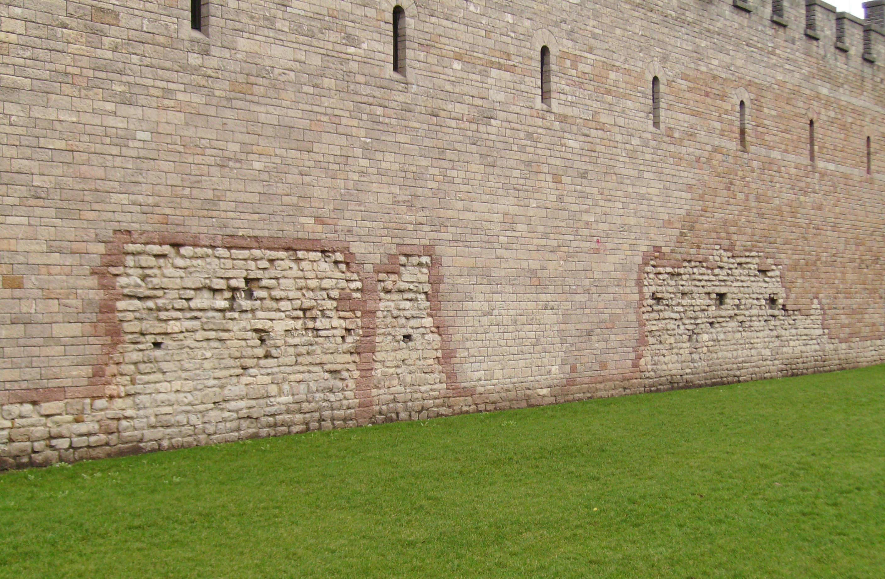 Wall Photo wall of cardiff castle - free public domain stock photo - cc0 images
