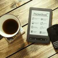 Blackberry and Pocketbook