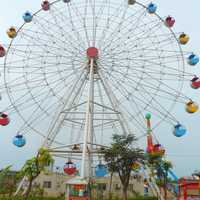 Ferris Wheel at Baishamen Park