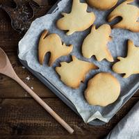 Ghost Shaped Cookies in a Pan