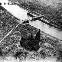 Aerial photo of Frankfurt Cathedral and City in 1945
