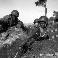 Soldiers from the U.S. 2nd Infantry Division near the Ch'ongch'on River, Korean War
