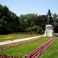 Garden of the university with Statue of Prince Kálmán