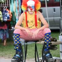clown-sitting-in-chair
