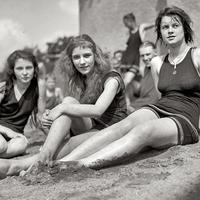 Girls sunbathing black and white in the 1920s