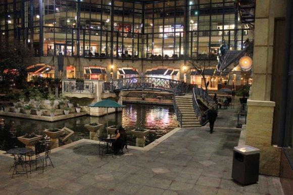 Rivercenter mall on Riverwalk