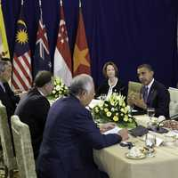 President Barack Obama meets Lee Hsien Loong at ASEAN Summit 2012