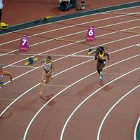 Female Runners on the race track