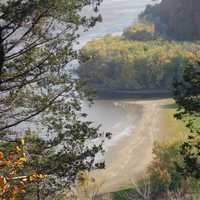 Yellow river goes into the Mississippi at Effigy Mounds, Iowa