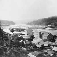 Houses in the town in Oregon City in 1867