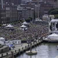 Crowds and Riverboat in Nashville