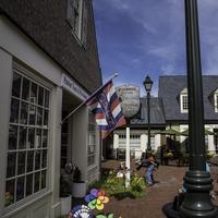 Small group of stores and houses in Yorktown, Virginia