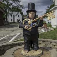 Troll holding a giant key in Mount Horeb