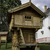 Wooden side house in Mount Horeb