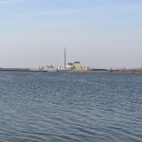 Power plant, closing in 2024 at Lake Columbia